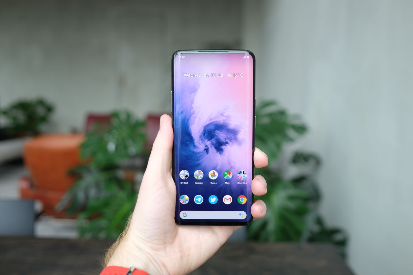 OnePlus 7 Pro review: an enormous phone from the future