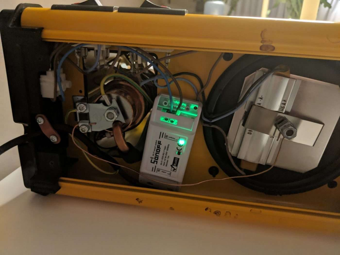 DIY Guide: How to make your dumb coffee machine smart for cheap